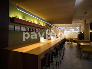 Suelo Microcemento gris restaurante Fraiche.: Comedores de estilo  de Pavinor