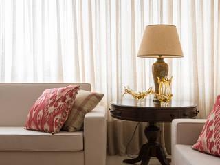 Apartamento Higienópolis: Salas de estar  por RF DESIGN DE INTERIORES,