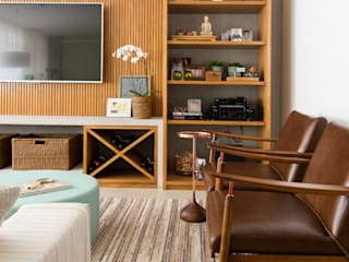 Apartamento Higienópolis II: Salas de estar  por RF DESIGN DE INTERIORES,