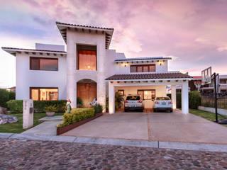Casas modernas: Ideas, diseños y decoración de SANTIAGO PARDO ARQUITECTO Moderno