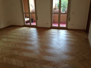 Soloparquet Srl Modern dining room Solid Wood
