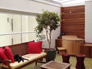 Projeto JBB - reforma completa de duplex Varandas, alpendres e terraços modernos por RC|a+d Arquitetura Moderno