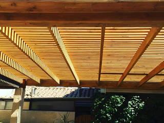 Techo de Estacionamiento con Cielo tipo Celosía Balcones y terrazas clásicos de Mantención de Terrazas | mantenciondeterrazas.cl Clásico