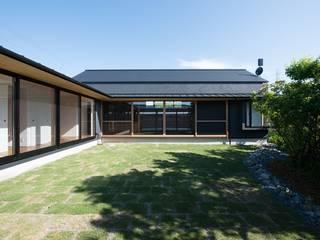 ハツオイノヒラヤ アジア風 庭 の amp / アンプ建築設計事務所 和風