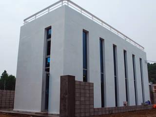 Casas modernas por 디자인모리 Moderno