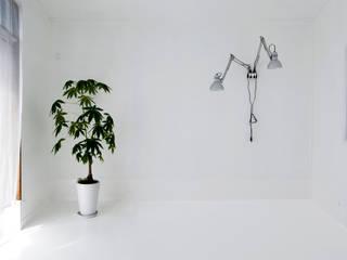 Room S.W: 神永設計が手掛けたリビングです。