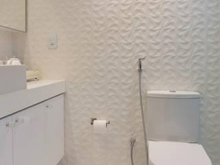 Bathroom by Larissa Vinagre Arquitetos, Modern