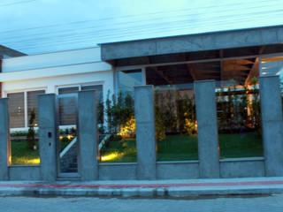 Residência Unifamiliar - MEURER LOHN: Casas familiares  por Cadu Martins Arquiteto e Urbanista,Moderno