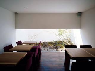 Gallery & Cafe OKU: 吉川弥志設計工房が手掛けた商業空間です。,