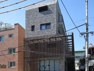 (주)건축사사무소 모도건축 Case moderne Laterizio Grigio
