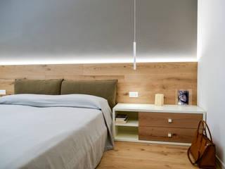 Dormitorios de estilo  por Claude Petarlin, Moderno Madera Acabado en madera