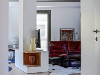 Ristrutturazione residenziale : Soggiorno in stile in stile Moderno di Claude Petarlin