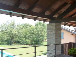 Mediterraner Balkon, Veranda & Terrasse von Viú Architettura Mediterran