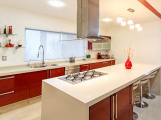 Cocinas de estilo moderno de SANTIAGO PARDO ARQUITECTO Moderno