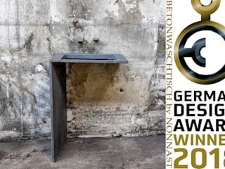 German Design Award 2018: modern  von Traumraum&beton DESIGN by NONNAST,Modern