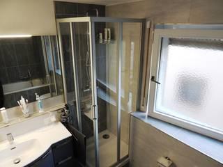 WÜNSCHE WERDEN BAD: moderne Badezimmer von Bad Campioni