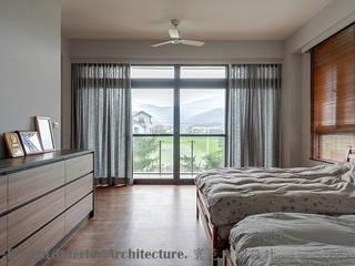 Moderne Schlafzimmer von Hi+Design/Interior.Architecture. 寰邑空間設計 Modern
