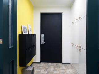 Pasillos y vestíbulos de estilo  por 달달하우스, Moderno
