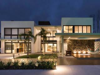 Casa do Lago por Estúdio AZ Arquitetura Moderno