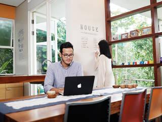 MarkOn Home:modern  oleh Naya Fond Living, Modern