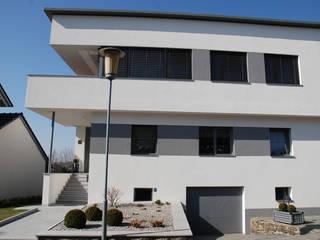 Einfamilienhaus - neue Kunststoff-Aluminium Fenster und Aluminium-Haustüre Schmidinger Wintergärten, Fenster & Verglasungen Einfamilienhaus Grau