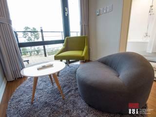 Couple Room Interior View:  (주)감동C&D 유니박스의  호텔