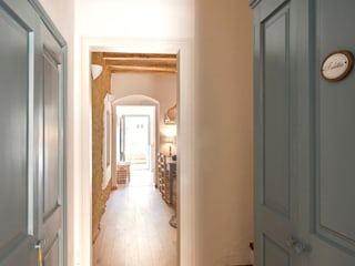 Nice home barcelona Ingresso, Corridoio & Scale in stile mediterraneo