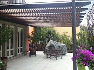 Balkon, Beranda & Teras Gaya Mediteran Oleh Materia Viva S.A. de C.V. Mediteran
