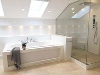 minimalistic Bathroom by Langmayer Immobilien & Home Staging