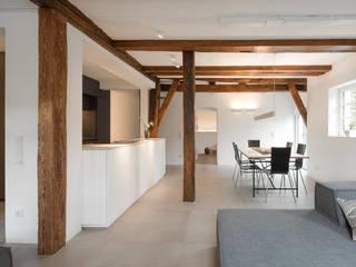 Essen: moderne Esszimmer von gerken.architekten+ingenieure