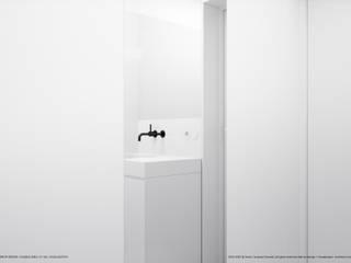 Łazienka 3.7: styl , w kategorii Łazienka zaprojektowany przez Hoski