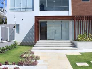 DNMC + SBRAL: Edifícios comerciais  por Lauria Arquitetura