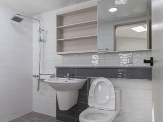 울산 강동산하지구 상가주택 모던스타일 욕실 by 피앤이(P&E)건축사사무소 모던