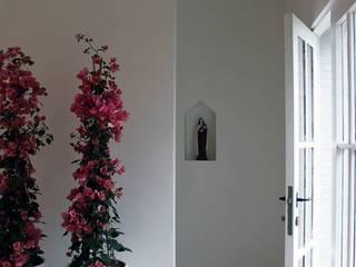 Couloir et hall d'entrée de style  par De Plankerij BVBA