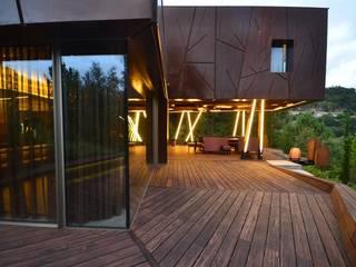 Douro Valley House - Mjarc by Maria João Andrade and Ricardo Cordeiro by MJARC - Arquitectos Associados, lda Сучасний