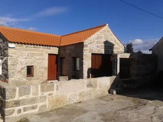 Reabilitação Moradia Casas rústicas por PRINCA Rústico