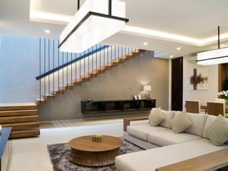 'S' house Ruang Keluarga Tropis Oleh Simple Projects Architecture Tropis Granit