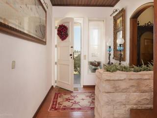 Moradia em Ílhavo Corredores, halls e escadas clássicos por Miguel Marnoto - Fotografia Clássico