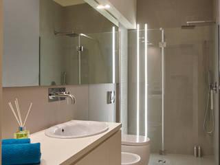 Modern Bathroom by ArchiDesign LAB Modern