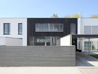 Passive house by Architekturbüro zwo P, Modern