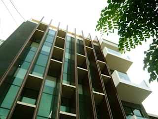 PB131 Office: Gedung perkantoran oleh Simple Projects Architecture,