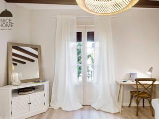 Proyecto Ramblas Salones de estilo mediterráneo de Nice home barcelona Mediterráneo
