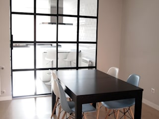 Modern dining room by Reformmia Modern