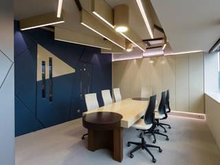 Office in Lisbon - Mjarc by Joao Andrade e Silva by MJARC - Arquitectos Associados, lda Сучасний