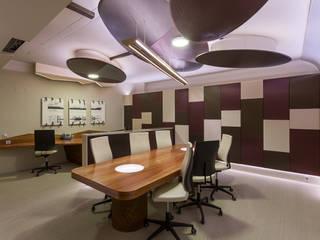 Office in Lisbon - Mjarc by Joao Andrade e Silva MJARC - Arquitetos Associados, lda Estudios y despachos de estilo moderno