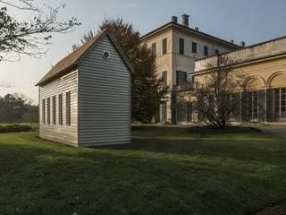 """""""A House for Giuseppe Panza"""" by Robert Wilson di Novello Case in Legno Minimalista"""