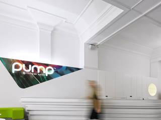 PUMP Republica: Espaços comerciais  por NOZ Arquitectura