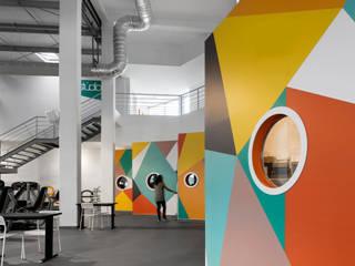 PUMP Odivelas: Espaços comerciais  por NOZ Arquitectura