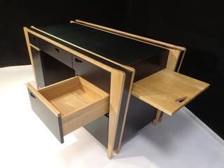 Bureau Black and wood par PEG at home Moderne