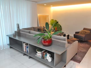 Modern living room by Gislene Soeiro Arquitetura e Interiores Modern